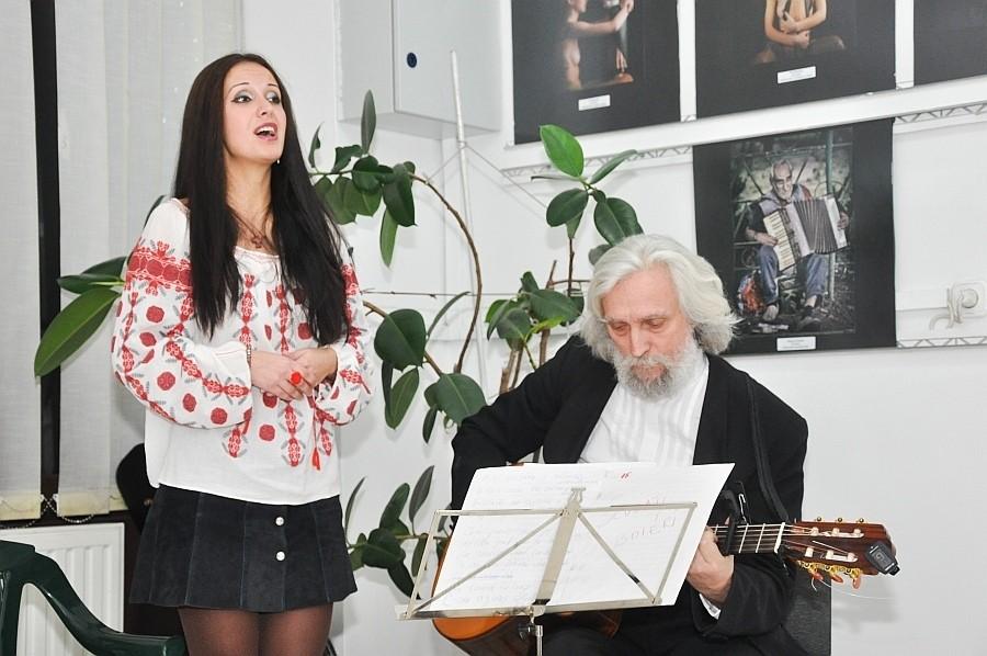 La Mulţi Ani 2014 cu artiştii Rock Filarmonica din Oradea Alexandrina Chelu şi Florian Chelu