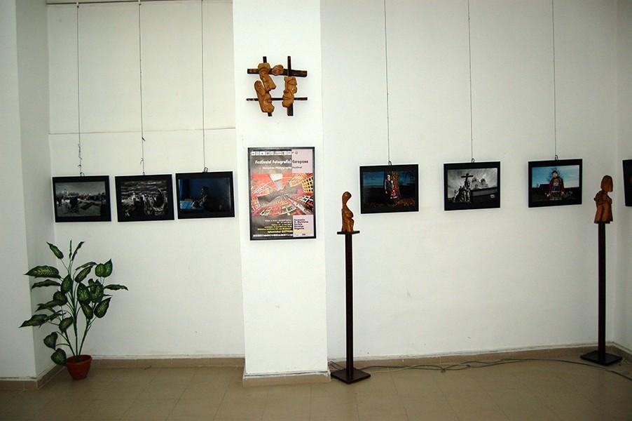 A Jekatyerinuburgi Fotóklub kiálítása az Europai Fotográfiai Fesztivál keretén belül a Slatinai Könyvtárban