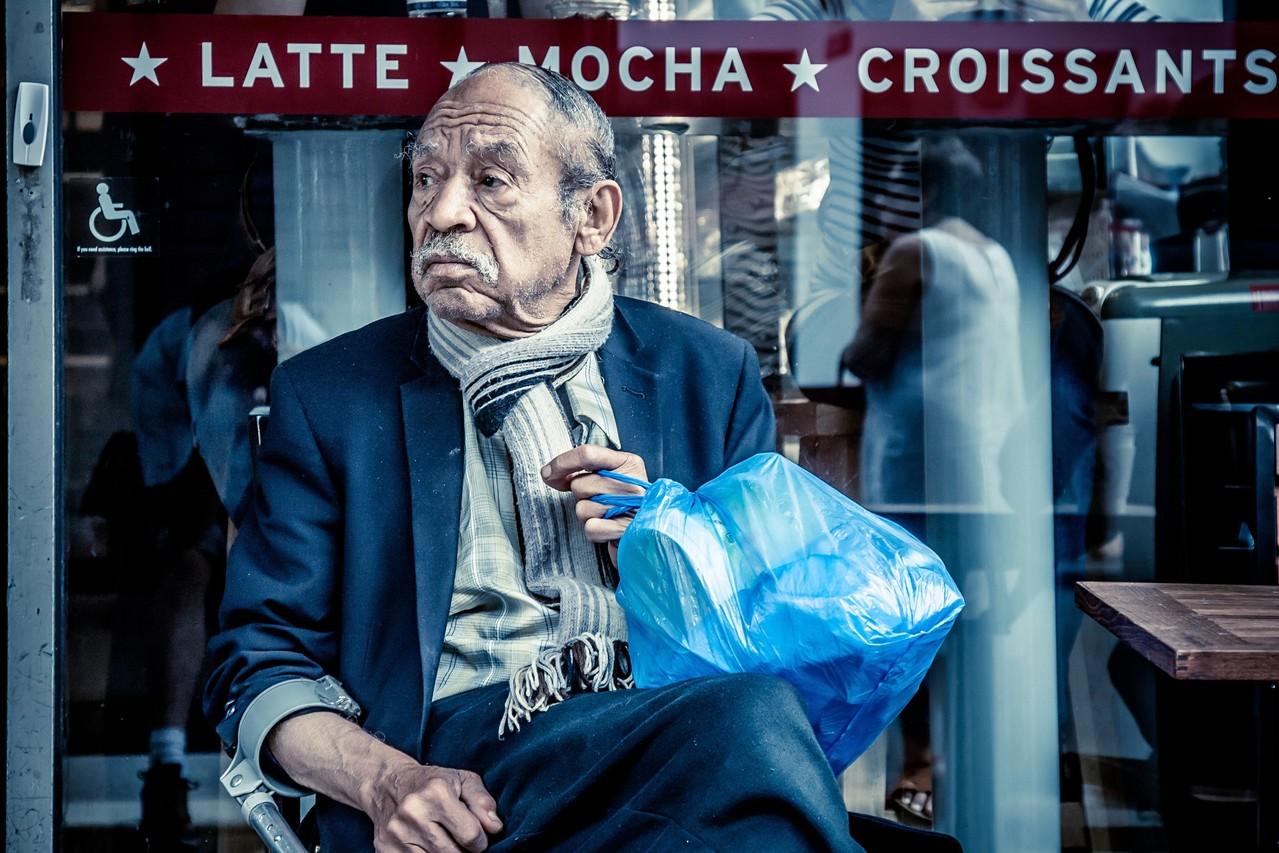 Placheta-Báthori Zsigmond AFIAP-Noise of the street/ Zgomotul străzii