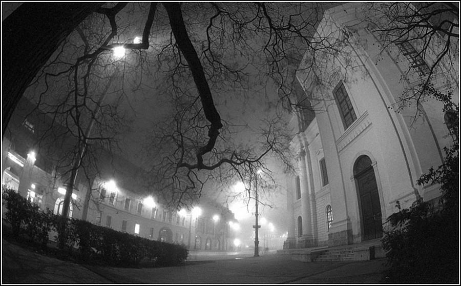 Zoltán Nagy (Debrecen) - Piaţa Calvin nopate_Kálvin tér éjjel