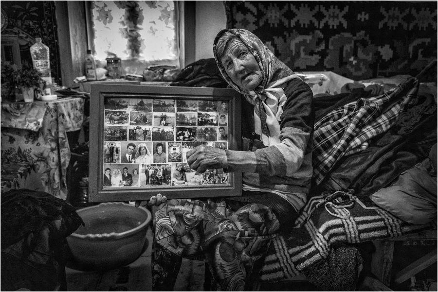 Szécsényi Zsuzsa AFIAP (HU) - I once had a family