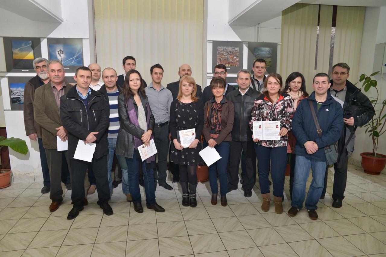 Vernisajul expoziţiei DEBUT ale absolvenţilor cursului digital (seria B) în Galeria Euro Foto Art - 03 aprilie 2013