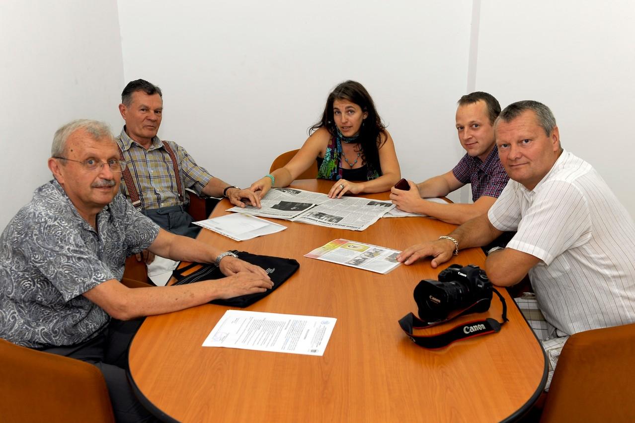 Találkozó a partnerségi protokollum aláírása alkalmából a Marosvásáhelyi Marx József Fotóklub vezetőségével, 2013 július 10-én