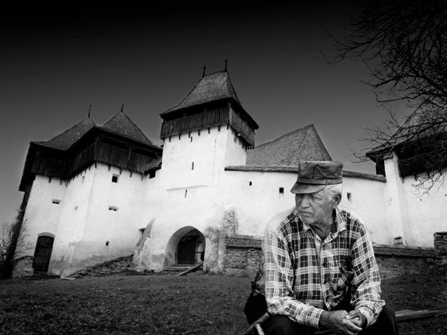 Lender Zsolt  (RO) - Valami elmúlt