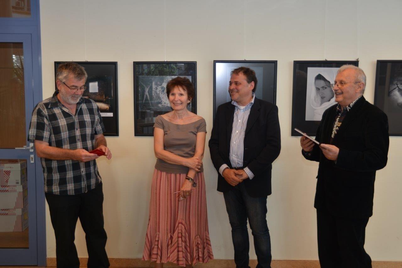 Az Eurofotoart 2012-es Nemzetközi kiállítás megnyitója a Debreceni Méliusz Juhász Péter Könyvtár kiálító termében 2013 május  15-én