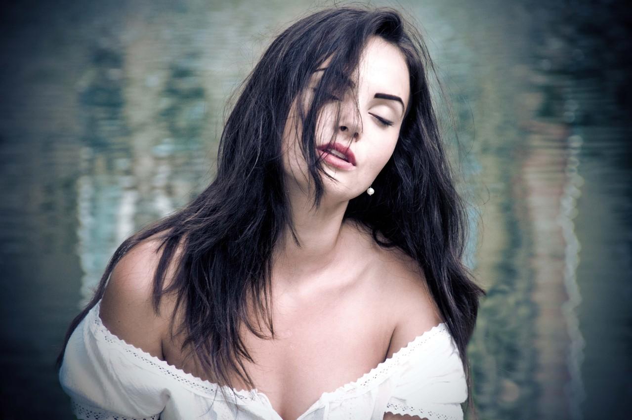 Premfoto 2012 - Adela Lia Rusu (Romania) - Sânziana` s Feelings - Sentimentele Sânzianei