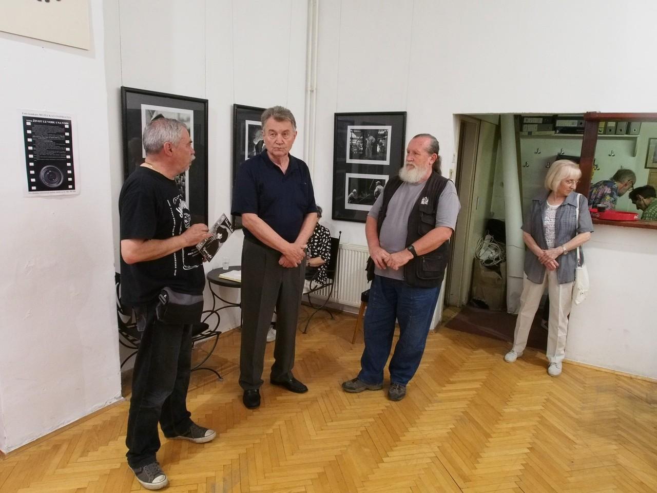 Rakjo R. Karsic belgrádi fotóművész egyéni kiállítása az újvidéki (Szerbia) FKVSV Galériában az Europai Fotográfiai Fesztivál keretén belül