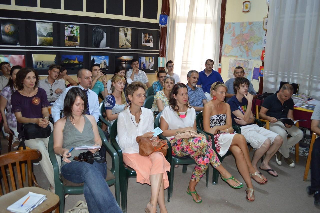 Vernisajul expo DEBUT (Seria E) - în sala Studio - Palatul Vulturul Negru Oradea - 25 iulie 2013