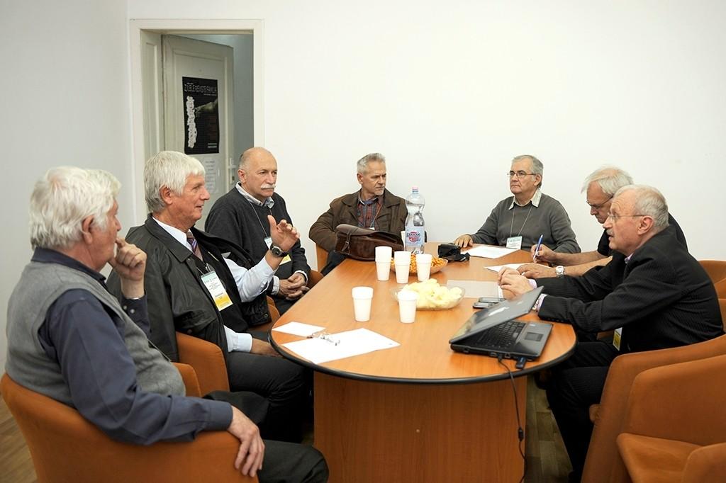 Az Euro Foto Art Egyesület első nagyváradi munkaértekezlete, melyen magyarországi és romániai tagok vettek részt 2013 október 18-án
