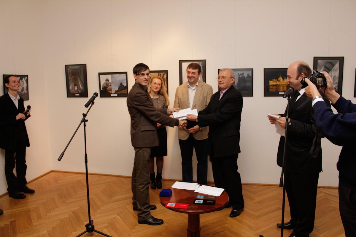 Christian Filipescu premiat al salonului Internaţional