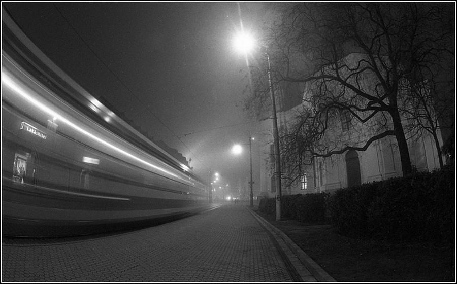 Zoltán Nagy (Debrecen) - Fâşie de lumină_Suhanó fénycsík
