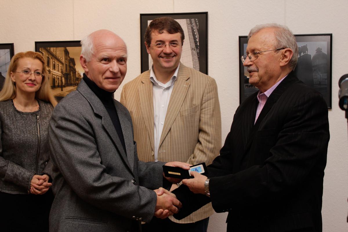 Artistul fotograf premiat Ferenc Boromissza din Budapesta