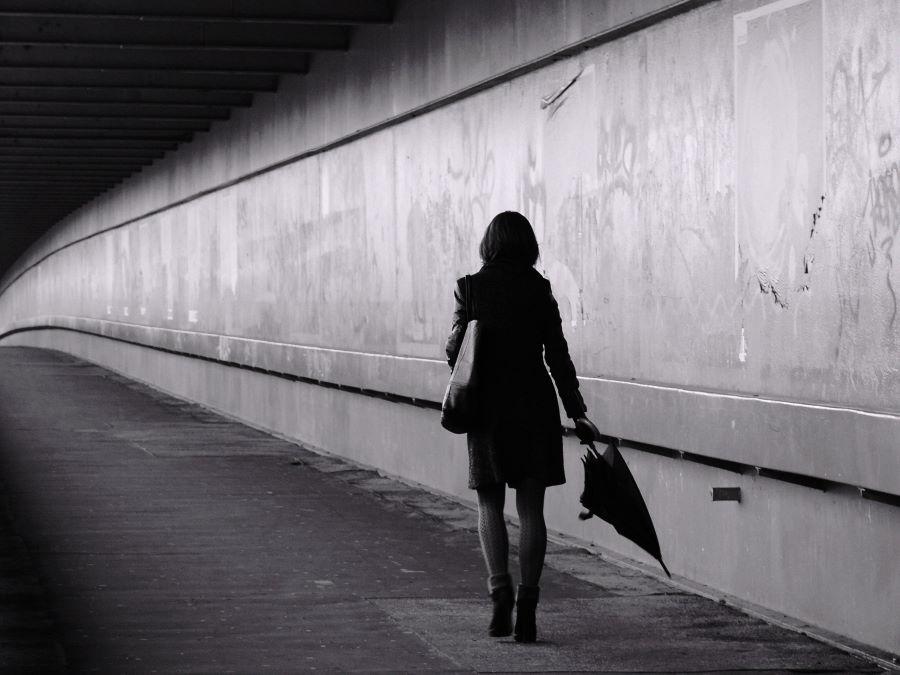 Stan Valentina EFIAPd (RO) - Lady with Umbrella
