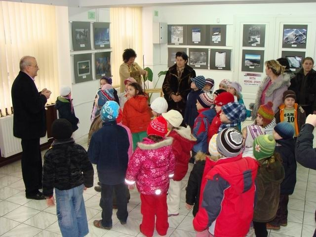 Primii vizitatori in Galeria Euro Foto Art Oradea 15.01.2011 - First visitors in  Galeria Euro Foto Art Oradea 15.01.2011 -  Első látogatók a Nagyváradi Euro Foto Art Galériában 2011. 01.15