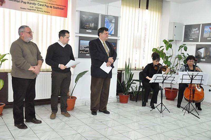 Európa Uniós Fővárosok nemzetközi szalon megnyitója a Nagyváradi Euro Foto Art Galériában Európa Uniós Fővárosok nemzetközi szalon megnyitója a 2013 január 22-én