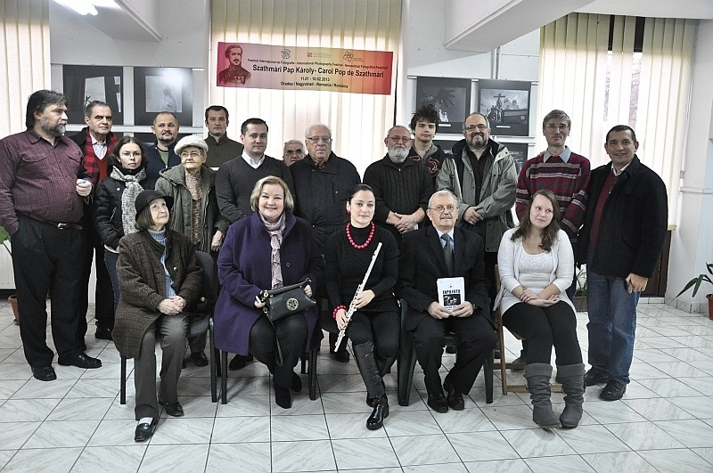 Az első Szathmári Pap Károly Nemzetközi Fotográfiai Fesztivál avató ünnepsége a Nagyváradi Euro Foto Art Galériában 2013 január 11-én