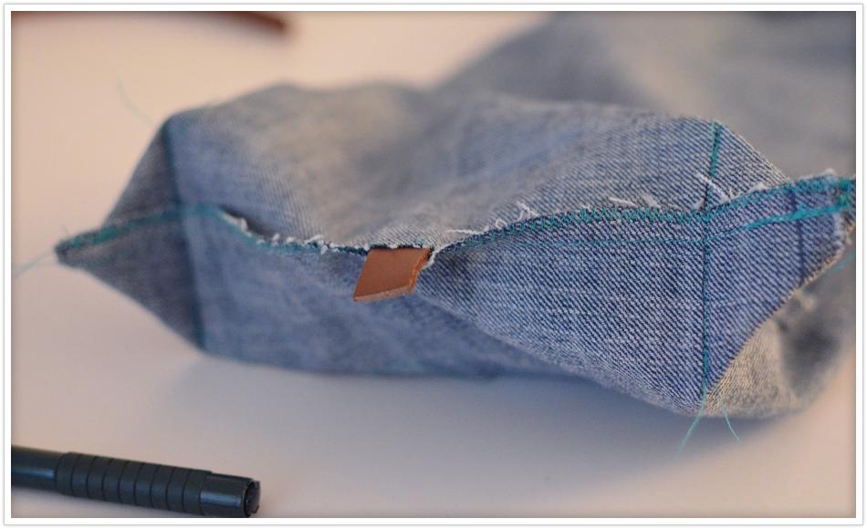 mini upcycling projekt tasche aus alter jeans felicity diy blog. Black Bedroom Furniture Sets. Home Design Ideas