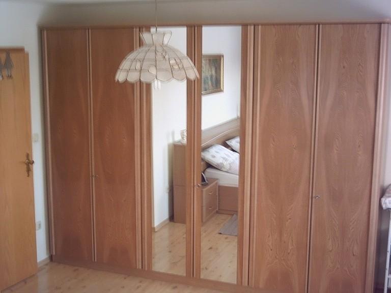Große Ganzkörperspiegel sowohl hier im Zweibettzimmer wie auch im Vierbettzimmer