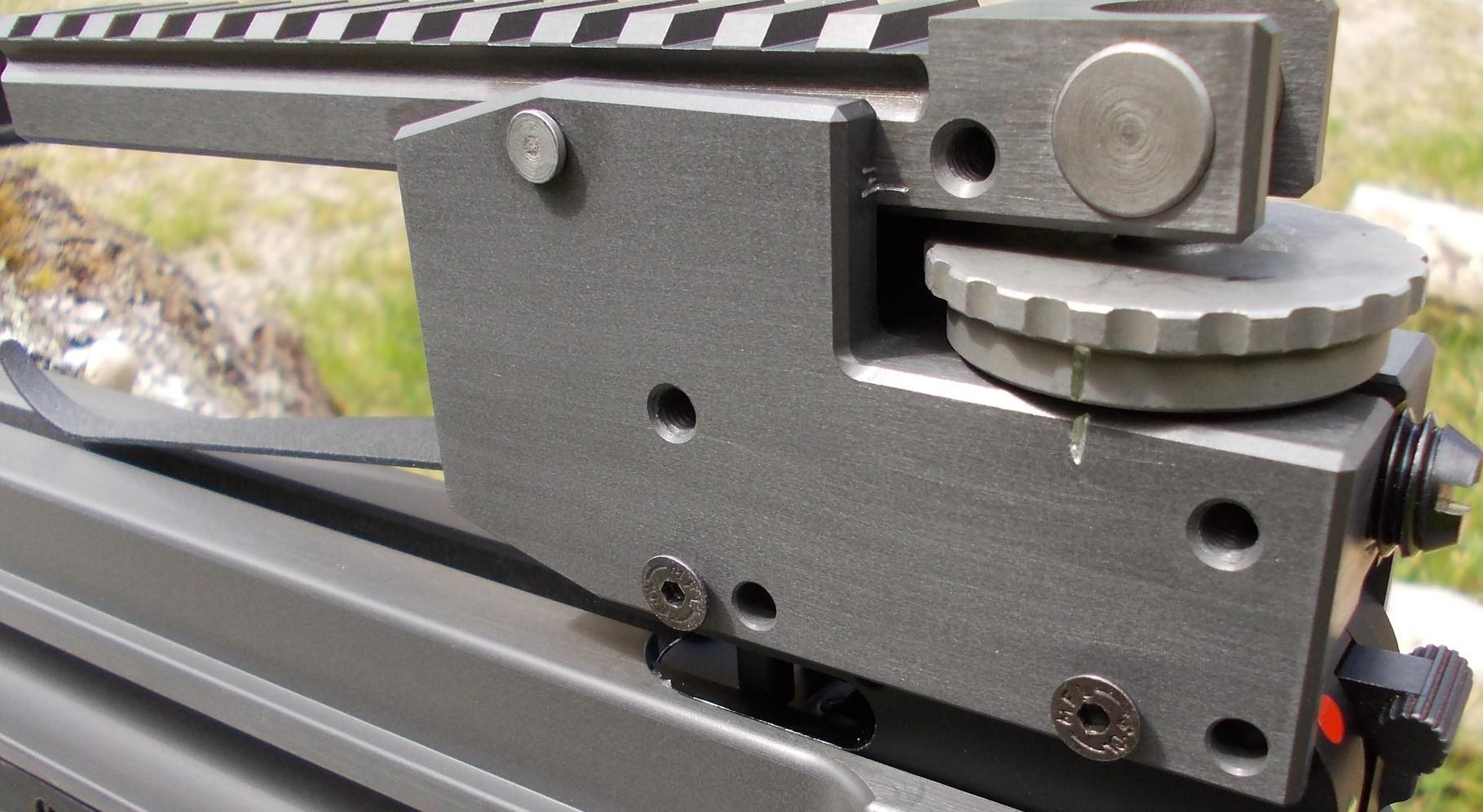 ULTIMATE-Montagesockel - für WOLFSZEIT-Armbrüste zur stufenlosen Kompensation der Pfeilflugbahn bei allen Zieldistanzen bis über 200 m