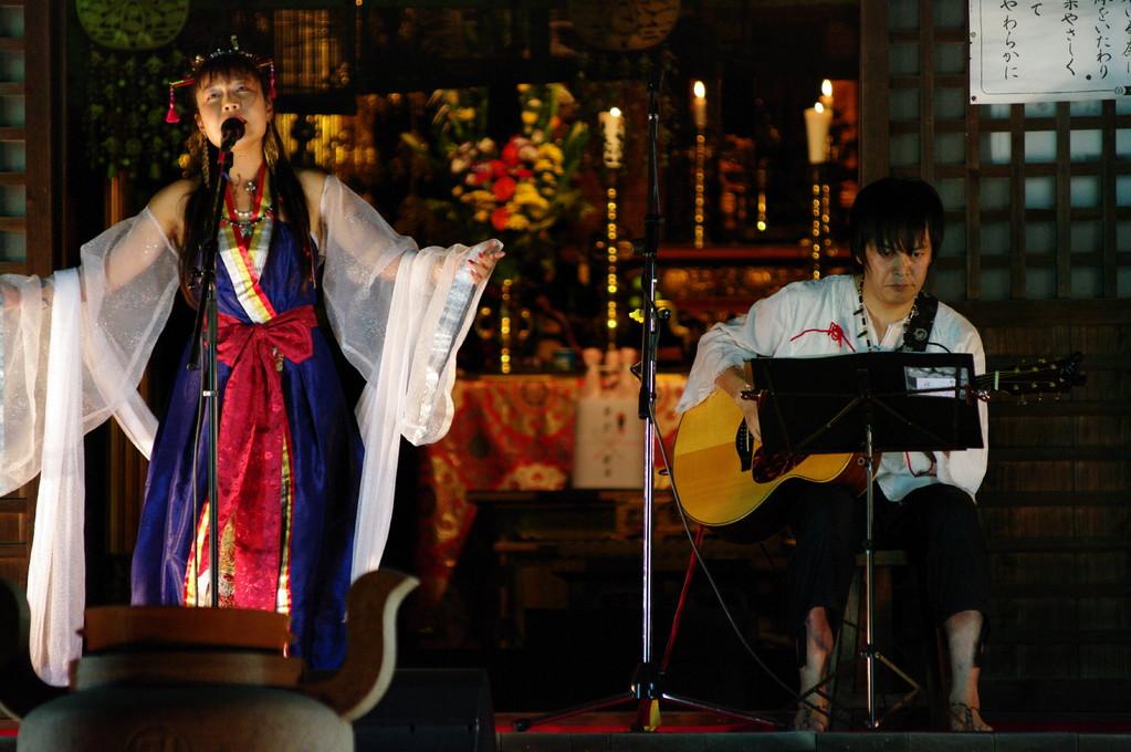 ムーンライトin藤原京2010によせて歓音-かのん-ライブin八釣地蔵尊興福寺ライブ