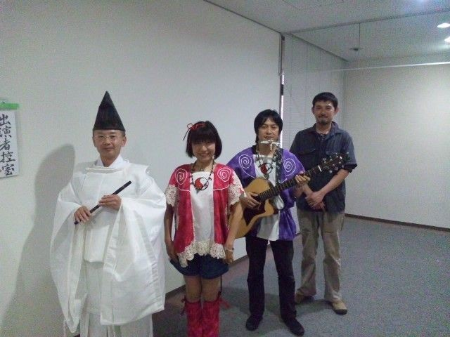 矢加部さんの舞いと笛、山浦さんのパーカッションとコラボでした!