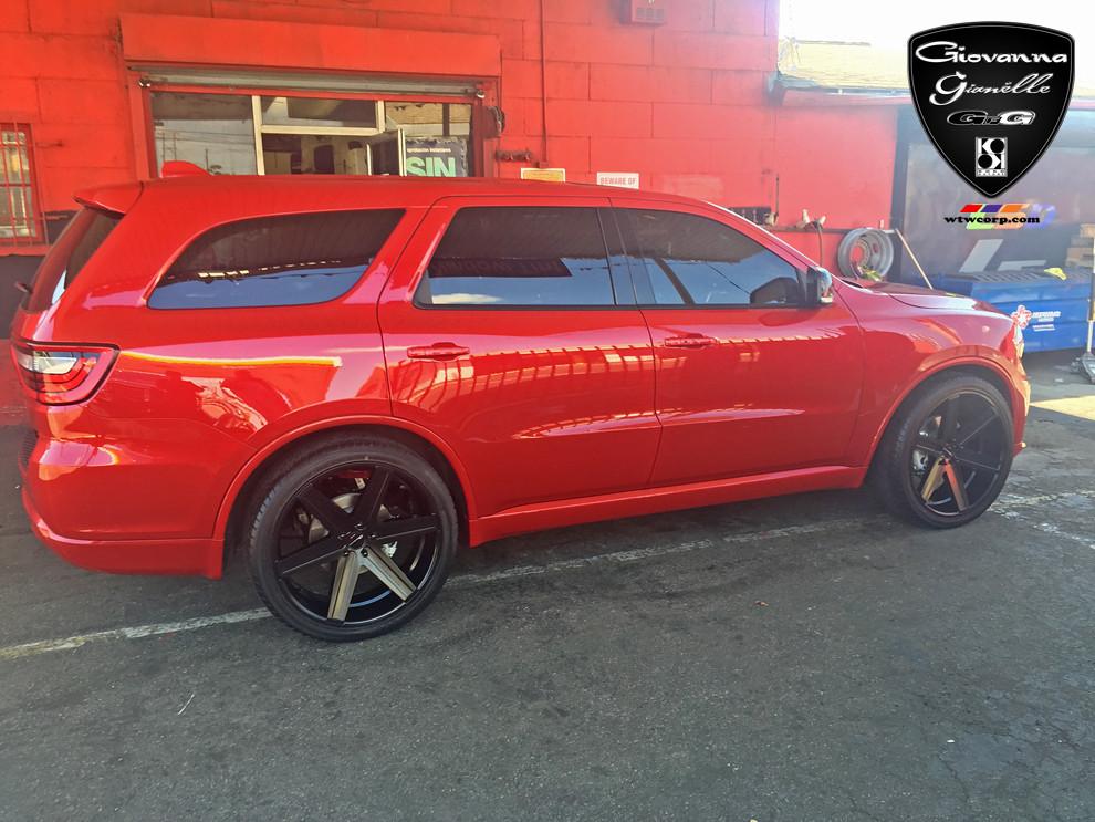Image on Dodge Durango Black Rims