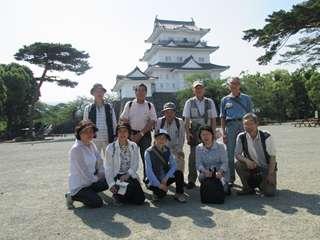 小田原城天守閣を背景に集合写真2