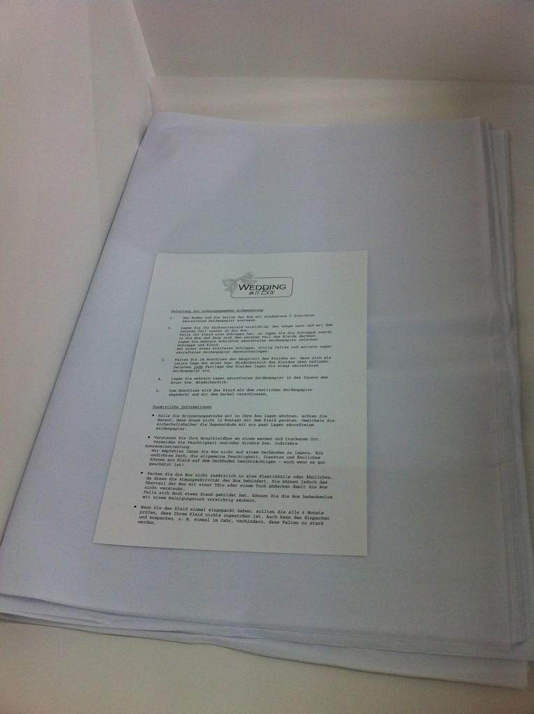 Brautkleidbox - säurefreies Seidenpapier und ausführliche Anleitung in jeder Box