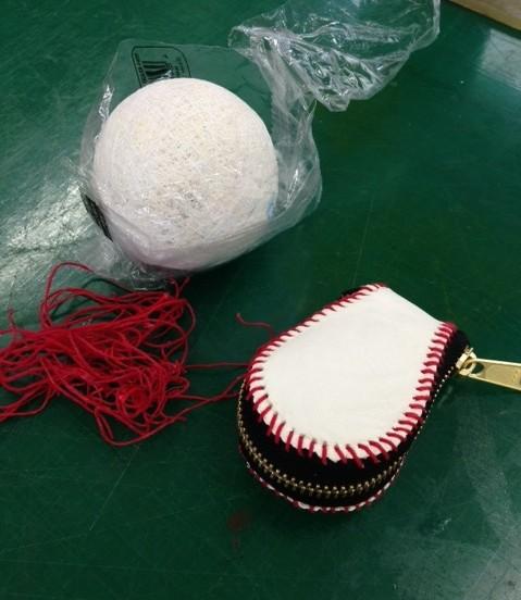 内側にも革を張り、新しい糸で縫って完成!