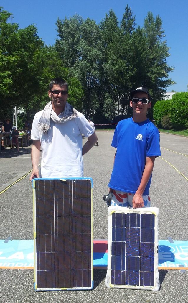Yann et Maxence, les pilotes des bolides solaires, record battu avec 94kms en 4H