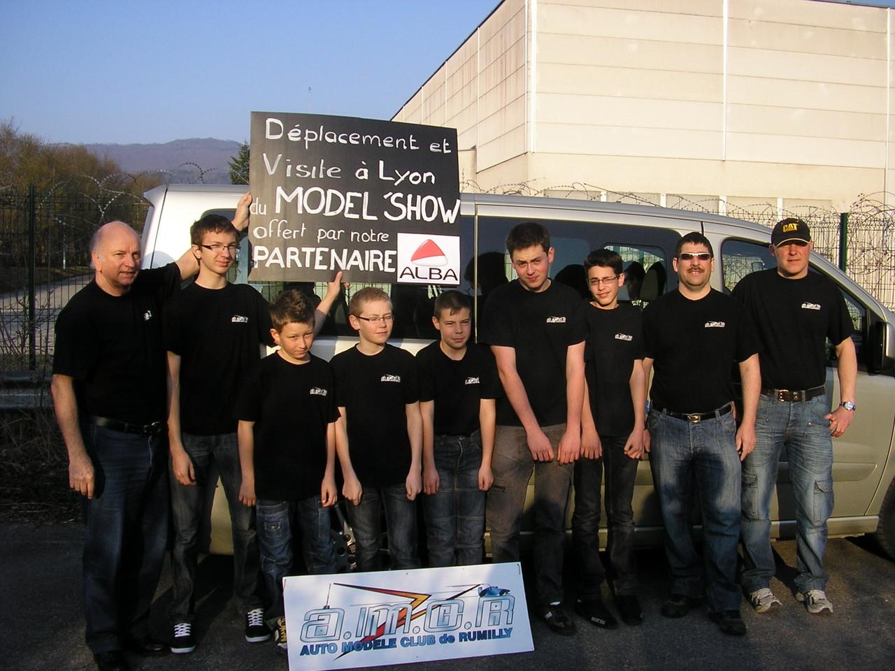 Déplacement en mini bus avec les adhérents au Model Show à Lyon, un gran merci à notre sponsor ALBA