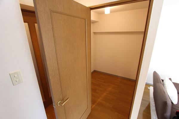 305号室納戸