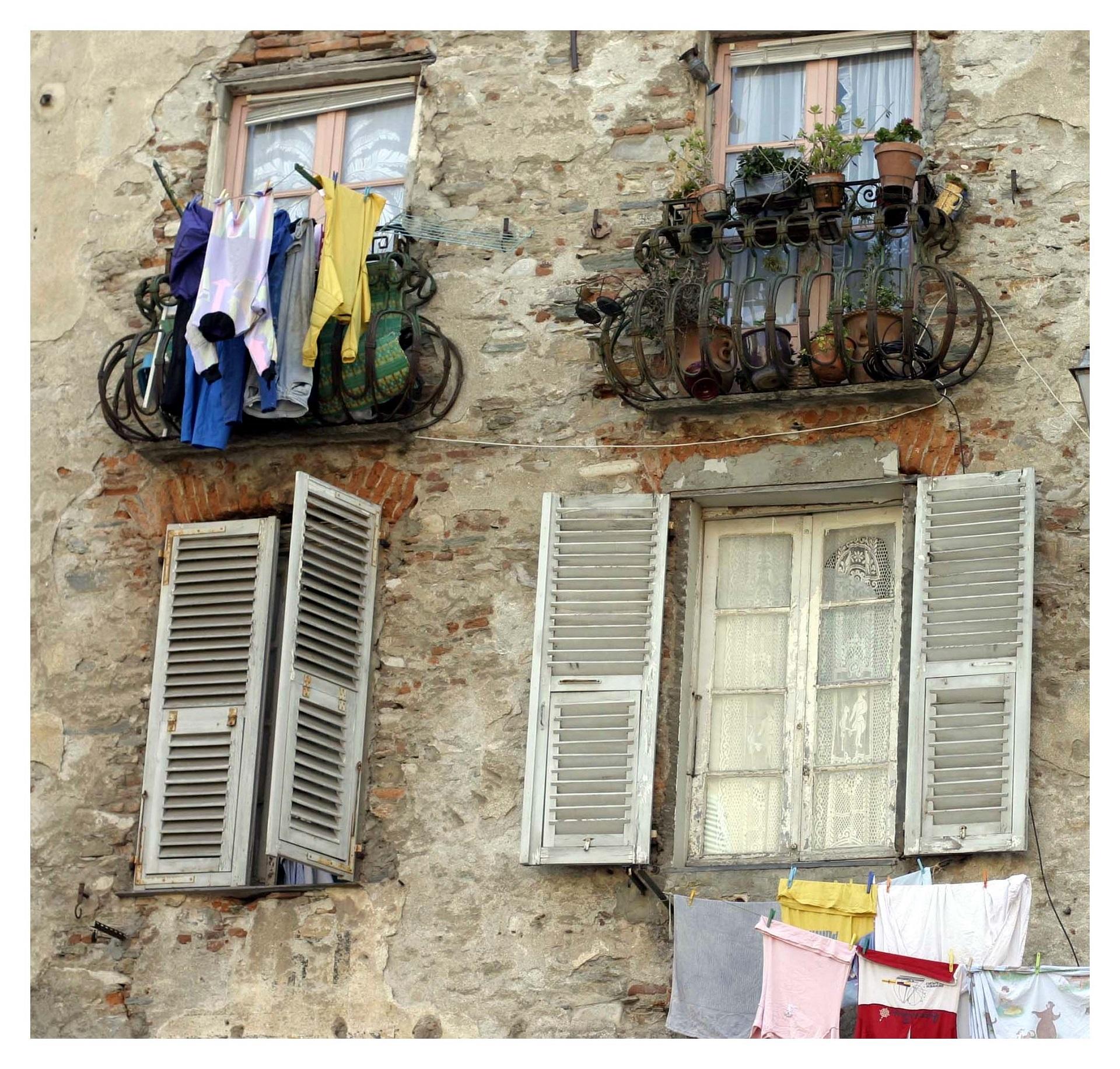 6-Façade à Bastia