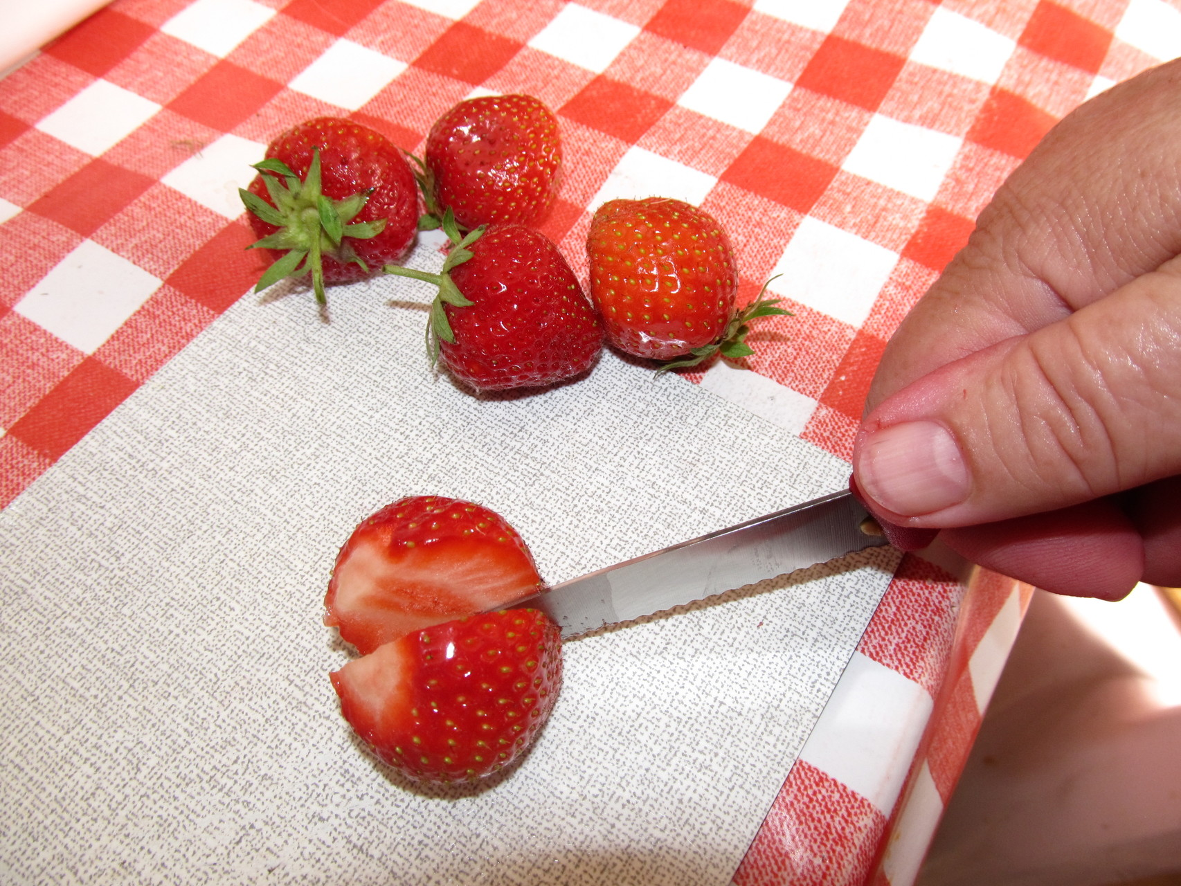 Jede Frucht wird in Handarbeit bearbeitet.