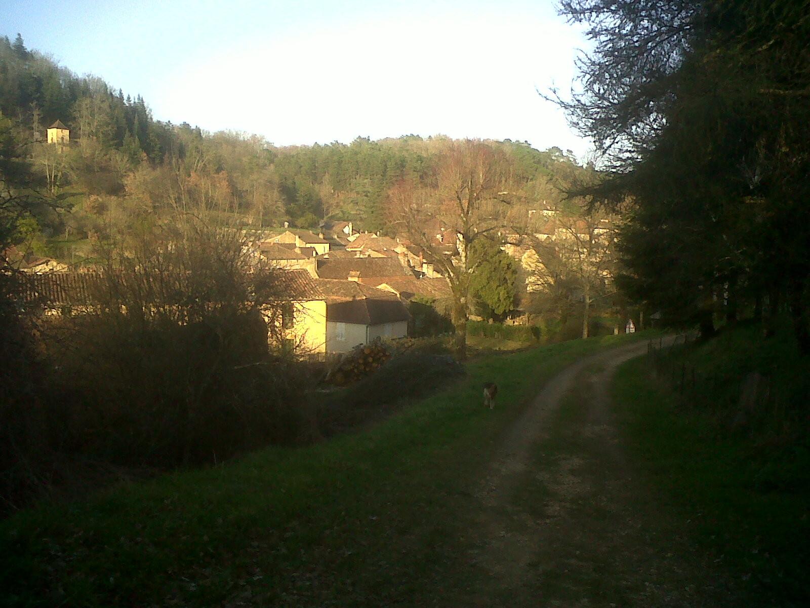 Vista desde el oeste Cadouin