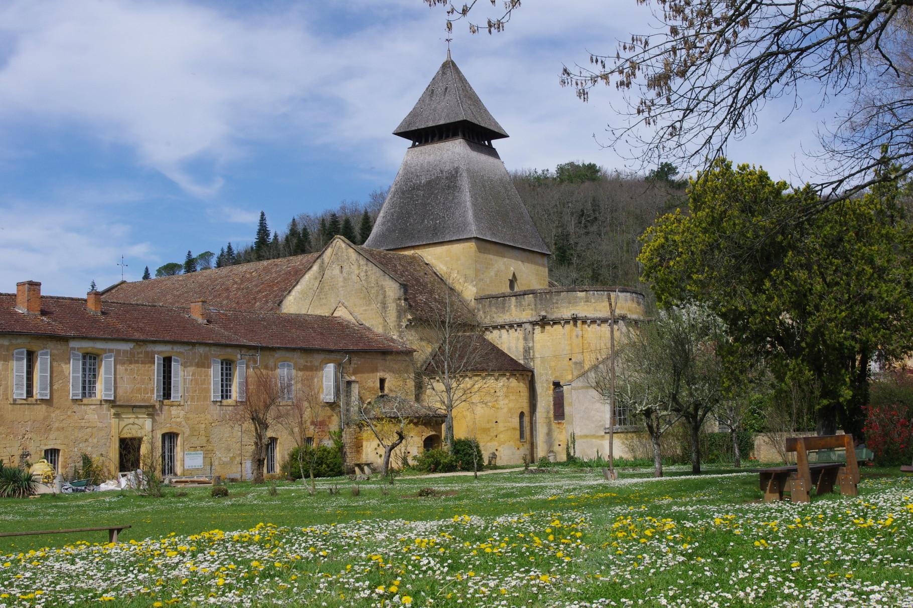 De abdij van Cadouin gezien vanuit het oosten