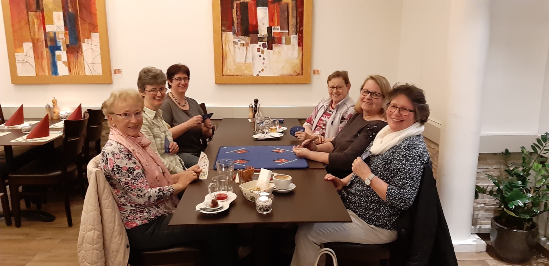 Jass- und Canasta Abend / v.l.n.r. Heidy Zurmühle, Lisbeth, Hofmann, Rita Odermatt, Helene Waldis, Ursula Papp, Monika Mathis