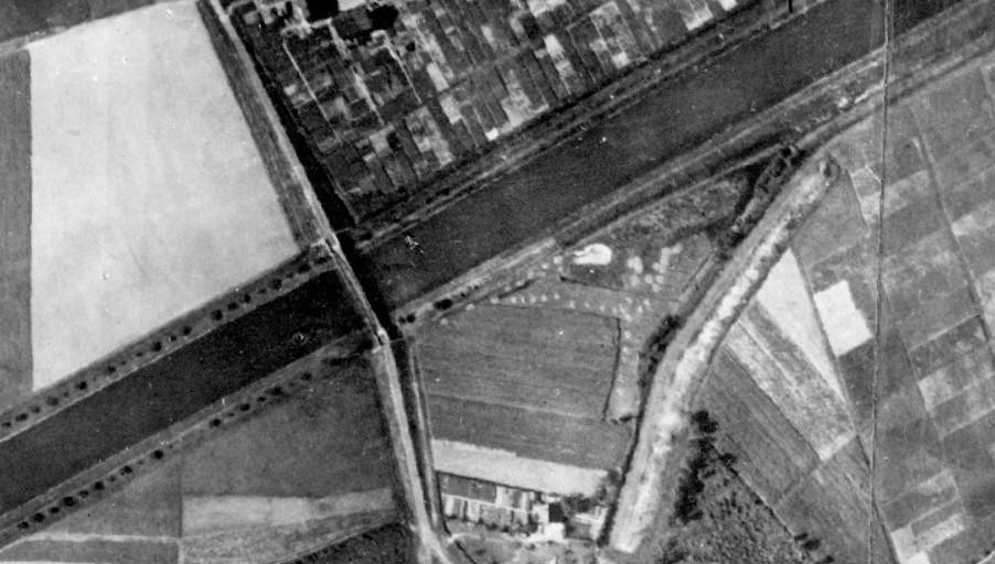Das Luftbild aus dem Jahre 1926 zeigt die Kanalbrücke an der Wierlingstraße. (Bildnachweis: Regionalverband Ruhr, CC BY-NC-SA 4.0)