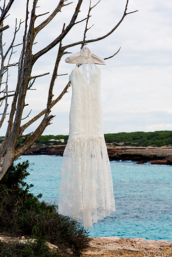 robe-de-mariee-forme-sirene-transparence-dentelle-calais-creation-emmanuelle-gervy-grenoble