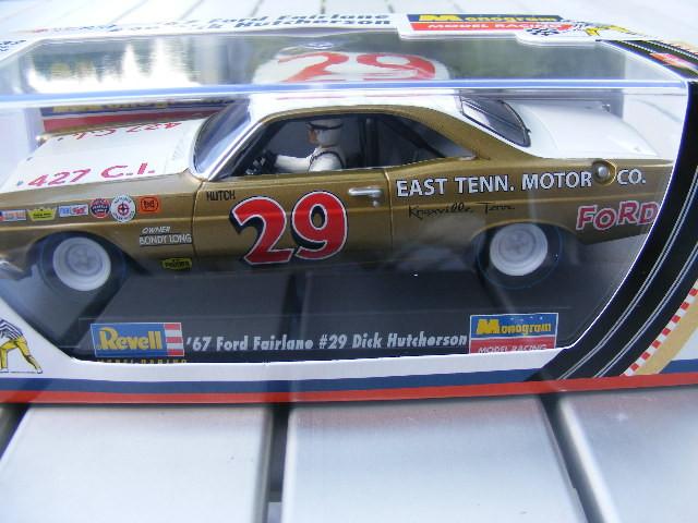 REVELL 4836 '67 Ford Fairlane 29 Dick Hutcherson