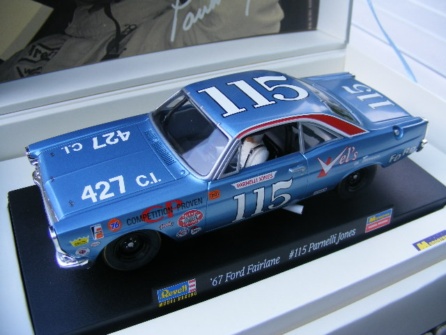REVELL 4831 LIMITED EDITION Ford NO. 115 Parnelli Jones