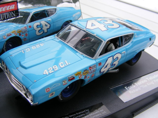Carrera Evolution 27187 Ford Torino Talladega Richard Petty only USA RAR NEU