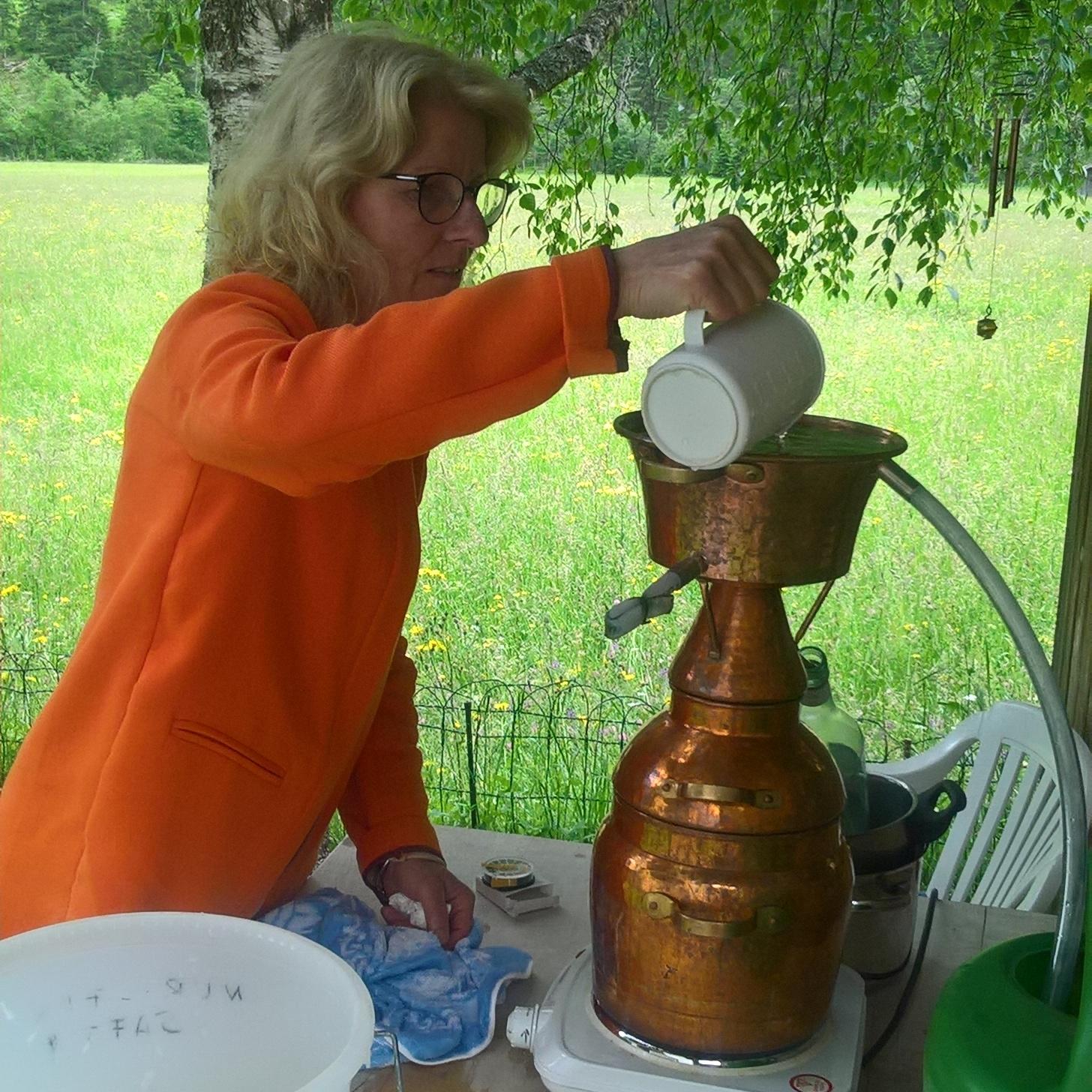 2-Tages-Kurs: Kräuter und Naturkosmetik mit Destillieren