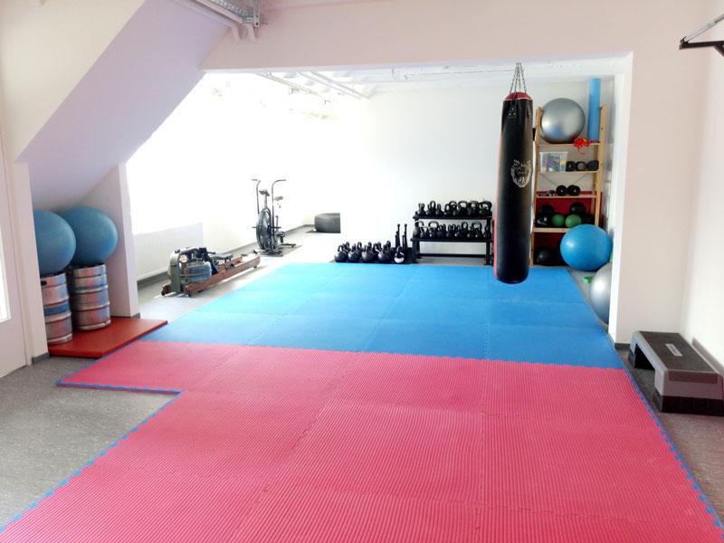 Raum für Krafttraining und Fitness