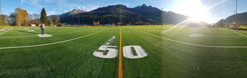 American Football Field 50 Yard Linie