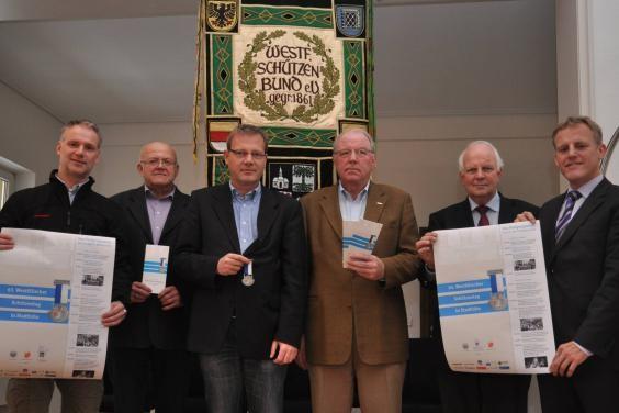 Die Organisatoren freuen sich schon auf die einzigartige Veranstaltung in Stadtlohn: (v. l.) Markus Plate, Hermann Terbrack, Thomas Lüfkens, Joachim Hollweg, Helmut Könning und Uwe Stapper.   (Foto: Jessica Beck)