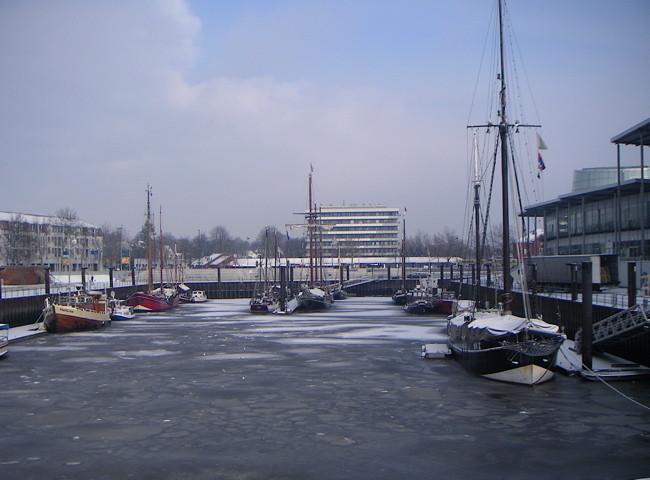 Vegesacker Hafen vereist 4
