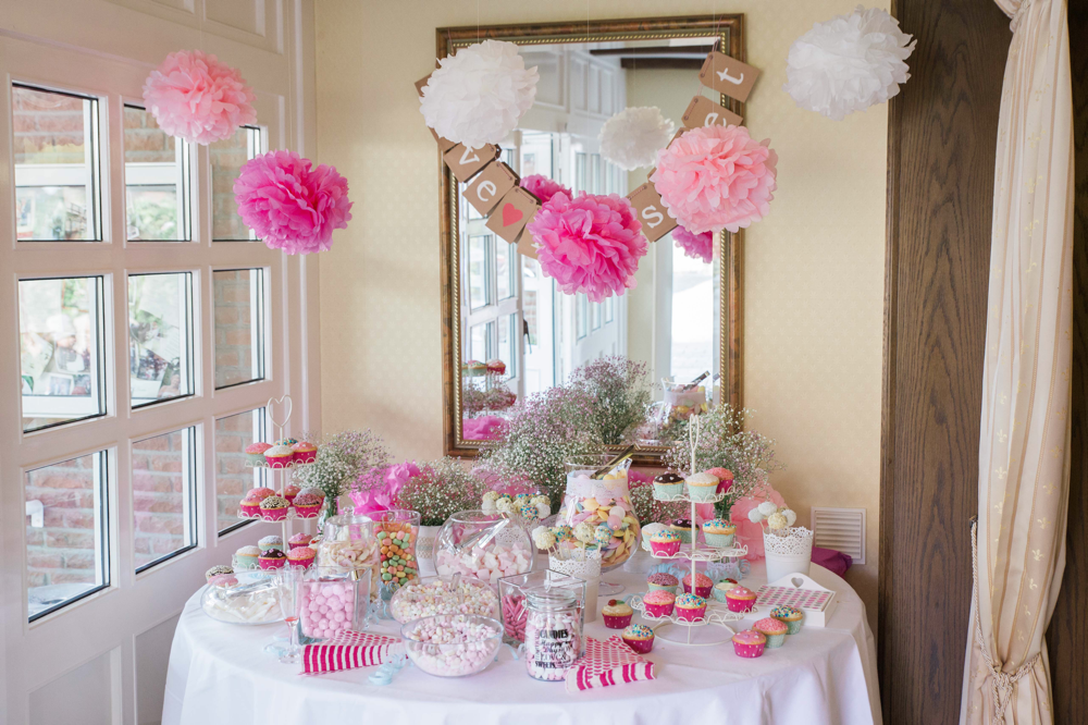 Candy-Bar, Hochzeit, Hochzeitfotografie, Hochzeitsfotograf, Süßigkeiten, Papeterie, Gläser
