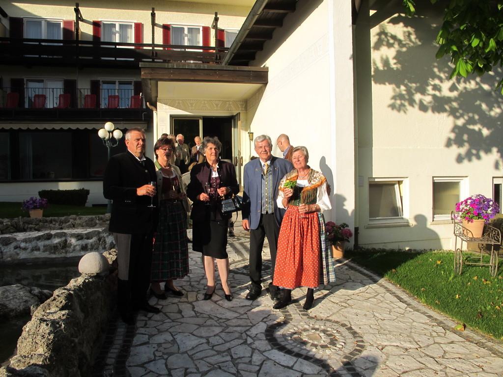 Karl-Heinz (ehemal. Löwenbräu-Chef) und Christl Knoll mit Marlene Zeindl