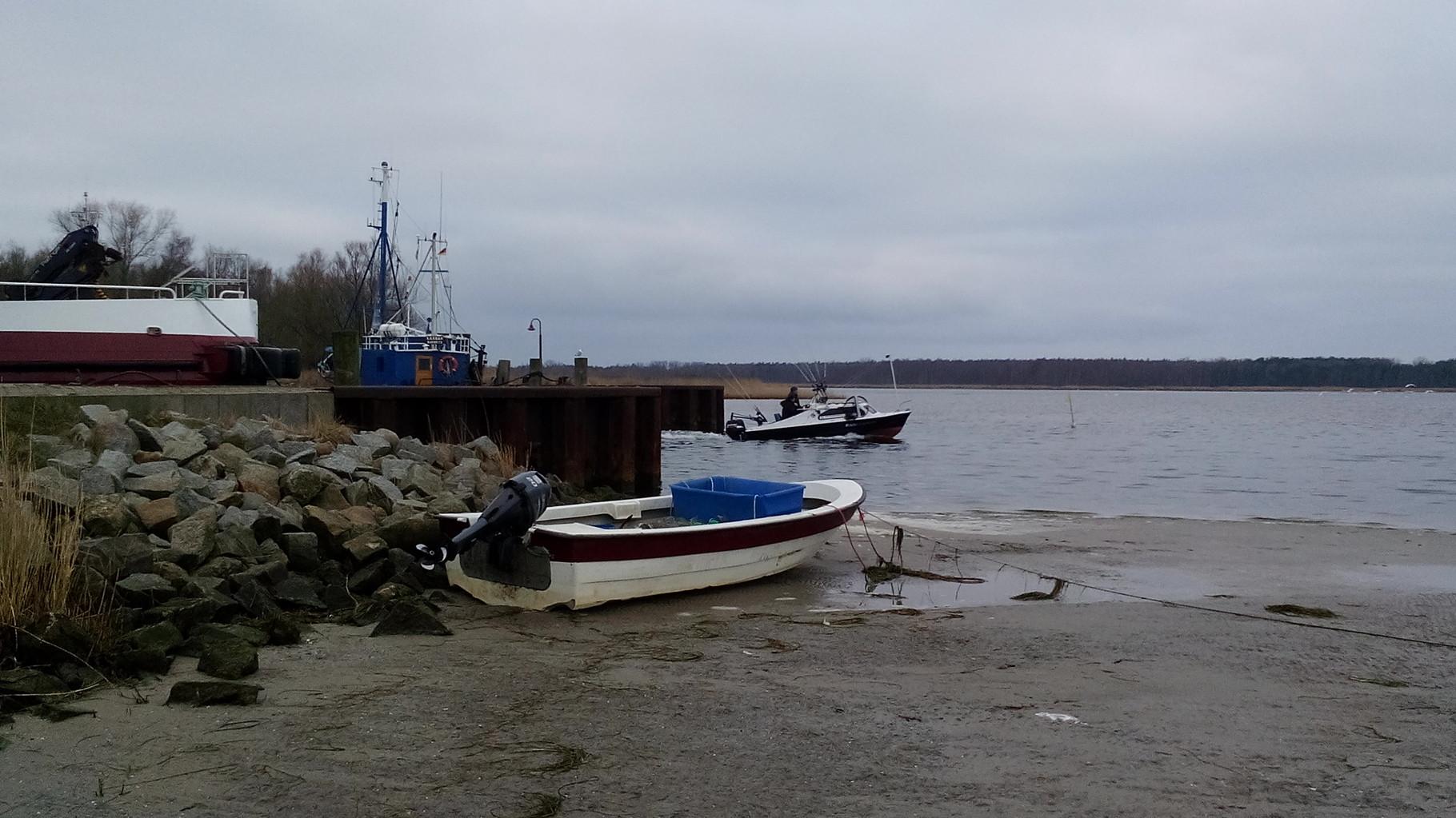 Hafenausfahrt Barhöft